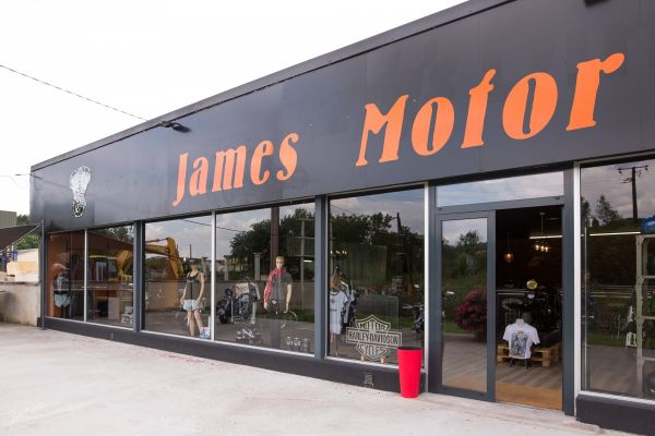 JAMES MOTOR : Photo © isasouri